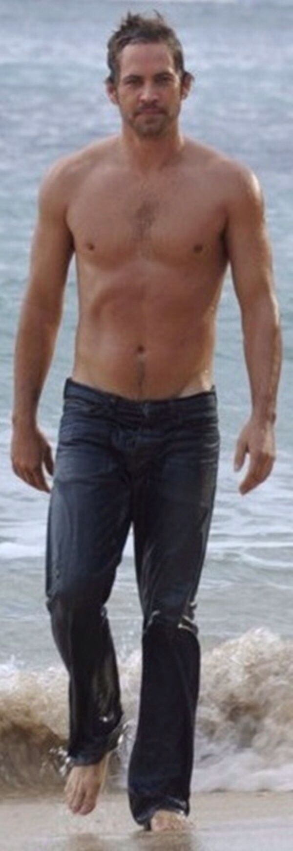 Paul Walker so sexy! I would rather have this (age, body and looks) wrapped around me then some stupid, young, super buff dumb ass!