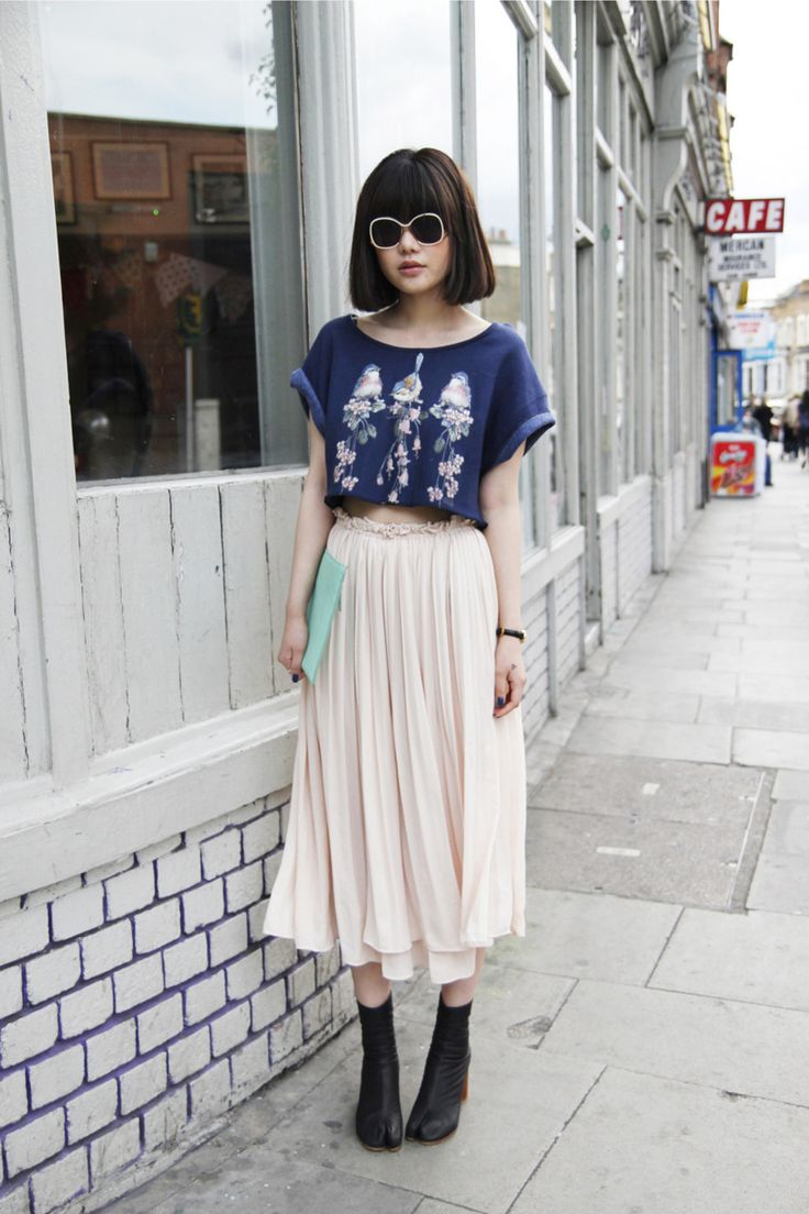 it'd be nice to be tall enough to pull off a full length maxi skirt + ankle boots... for me, it's one or the other