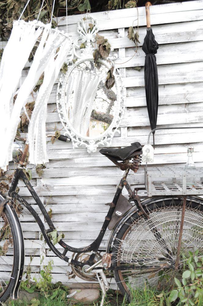bla denna gamla antika cykel. Ni som har min och Petras böcker vet ...