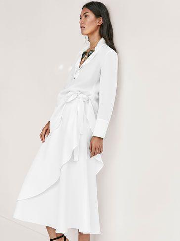 Las faldas más sofisticadas en Massimo Dutti. Descubra en el avance de la colección de otoño 2017 faldas de tubo, plisadas, lápiz, midi o de vuelo.