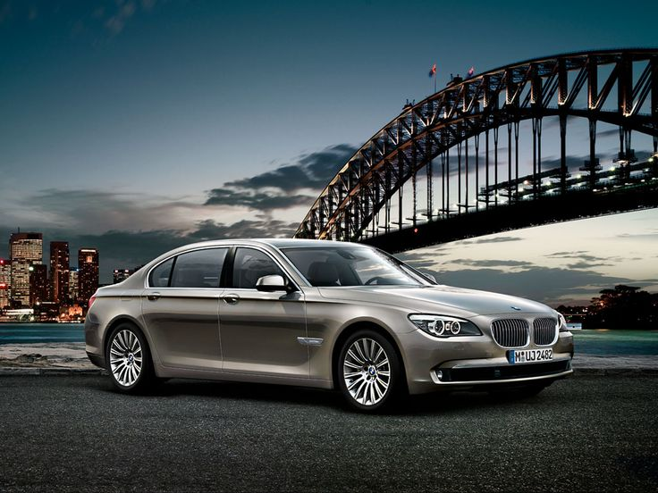 #2015_BMW #7_Series is ready to put up a serious fight to #Mercedes_S_Class