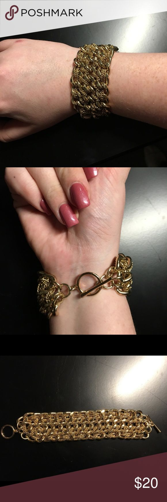 Gold chain bracelet Thick gold chain bracelet, a great accessory for any occasion, few scuffs on some chains but still looks brand new Jewelry Bracelets