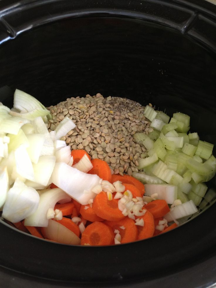 Crock Pot Lentil Soup...Need to pin this & do my own recipe of lentil soup ( I can even freeze it)