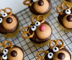 These would be super cute for something Mean Moose themed...I'm thinking baby brothers graduation next year!!!