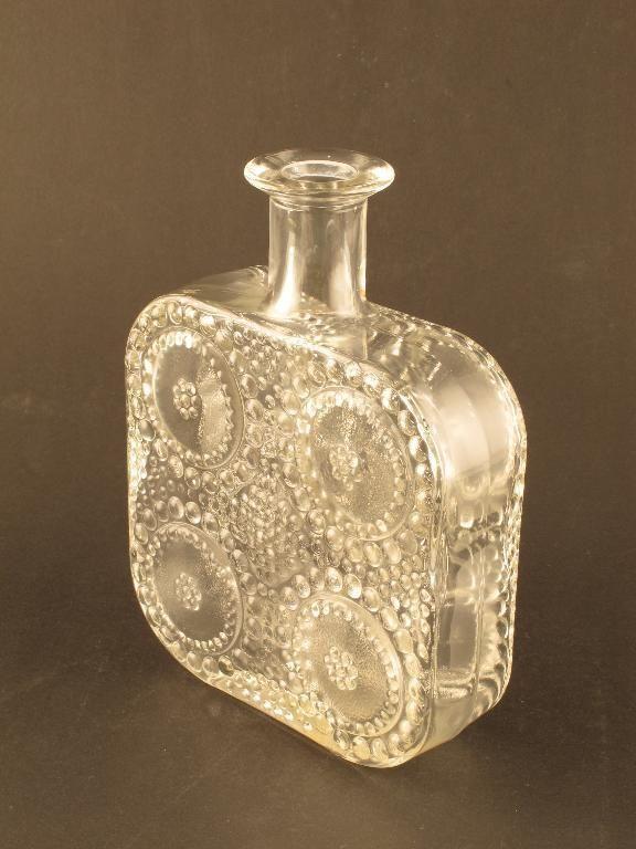 Grapponia. Nanny Still. Riihimäki Riihimäen. Flaska H 19 cm.