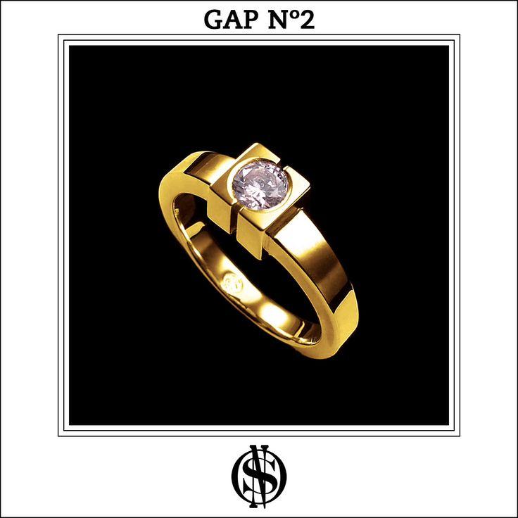 """Anillo de compromiso """"GAP No.2"""" en oro amarillo 18K y diamante. Hecho y diseñado por NSO."""