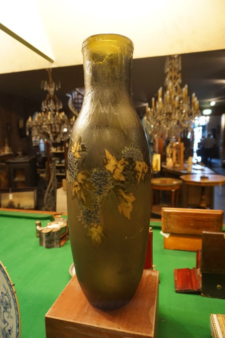 Ваза Стиль: модерн Год: 1900, Франция Материал: стекло  Высота: 65 см  #ваза #антиквариат http://antikvariat-vintage.ru