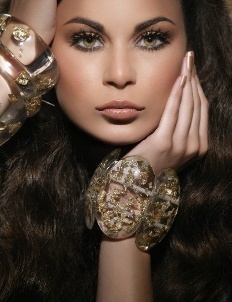 Lebanese Makeup Artist- I love everything about this photo! Look at the lashes!