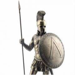 -El boyaması Ayrıntılı İşcilik   -Bronz kaplamadır   -Yükseklik 36cm (mızrak ile birlikte)   -Orjinal Korunaklı Kutusunda Gönderilir   -Tarihin Efsane Savaşçı Figürü   -KARGO BEDAVA