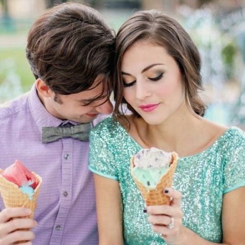 Ice cream isn't only a wonderful treat, it's also a cool theme for a wedding or an engagement shoot! Ice cream-themed engagements are getting more and more ...