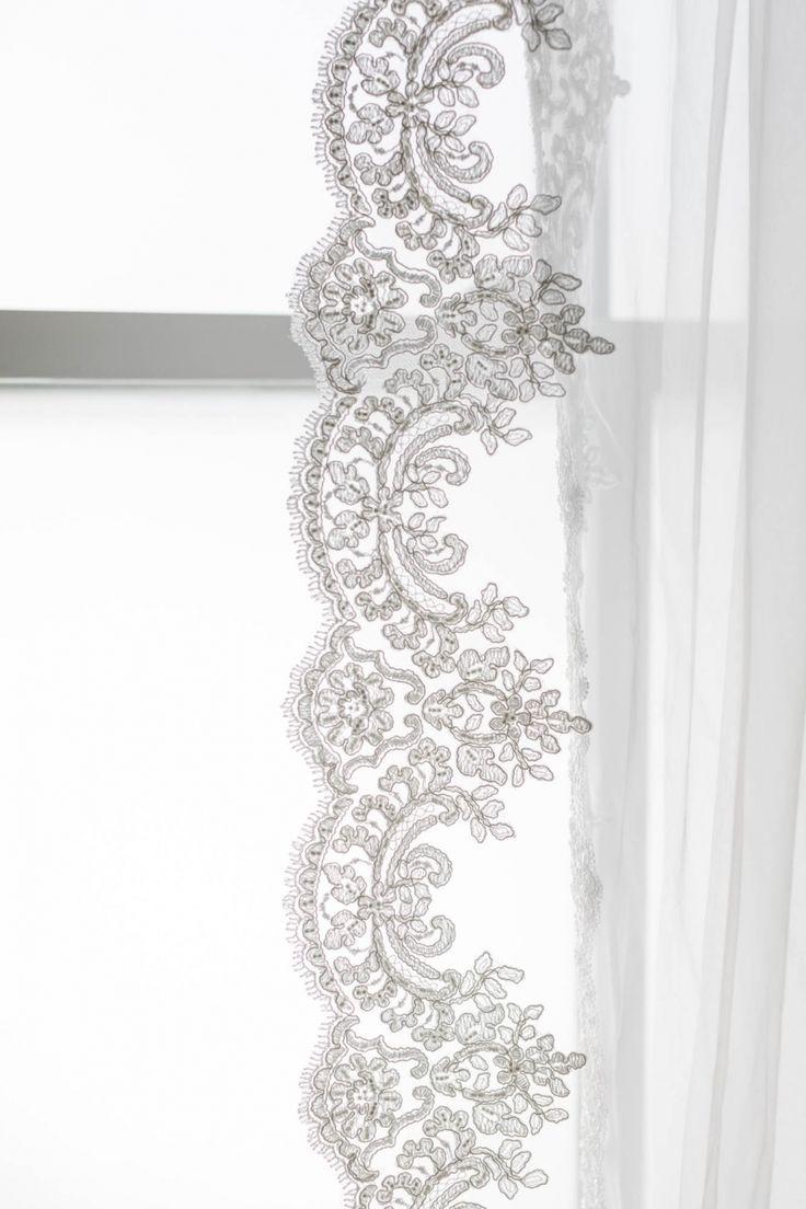 Lace-Trimmed Veil - Elle + Adhira / Daphne Newman