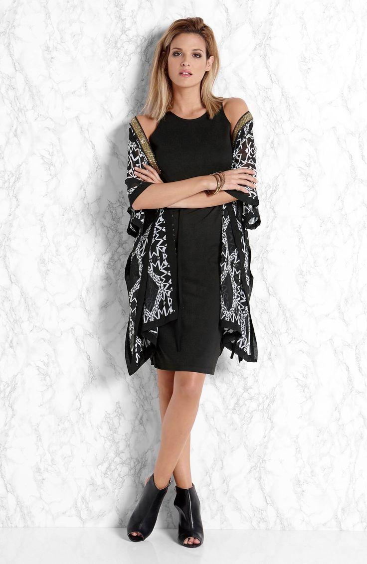 Sukienka - wdzianko w czarno-białe wzory od Amy's Stories http://www.halens.pl/moda-damska-na-gore-kimono-26630/sukienka-kirsti-556879?imageId=393863&variantId=556879-0018 + czarna sukienka http://www.halens.pl/moda-damska-rozmiary-specjalne-na-gore-5828/sukienka-ebba-557369?variantId=557369-0001&imageid=380783