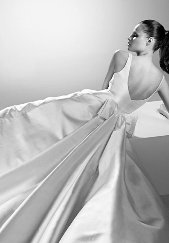 Luxury Wedding Dress from Valentino - DREAM WEDDING