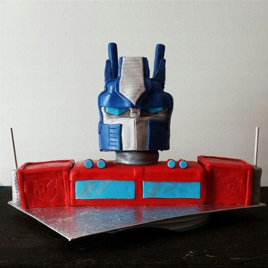 Optimus Prime. cake. Transformers. BRICH+BAKER.