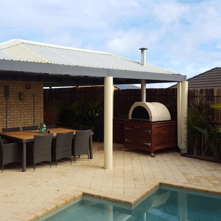 Want to update your outdoor entertaining area? Call us now for a free quote!