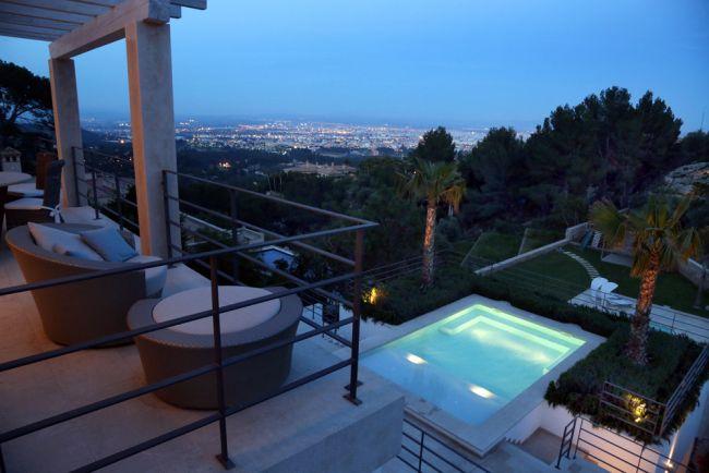 Villa in bester Lage mit fantastischem Blick auf Palma in Son Vida / Mallorca / real estate  BKT Immobilien GmbH / Sonnenuntergang