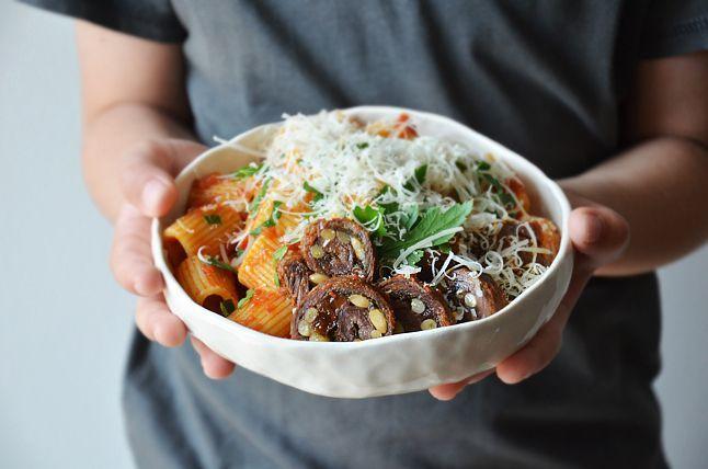 Kublanka vaří doma - Mezzi rigatoni s neapolskou hovězí omáčkou
