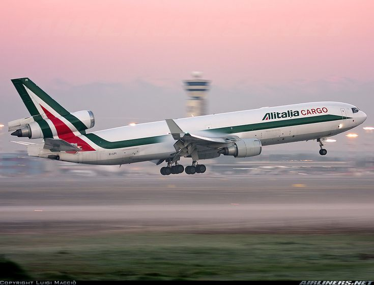 Alitalia Cargo  McDonnell Douglas MD-11(F)  (airliners.net)