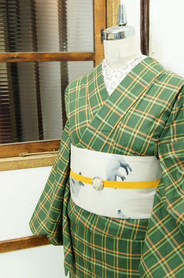 アッシュグリーンをベースにチェックパターンがデザインされた木綿の単着物です。 #kimono