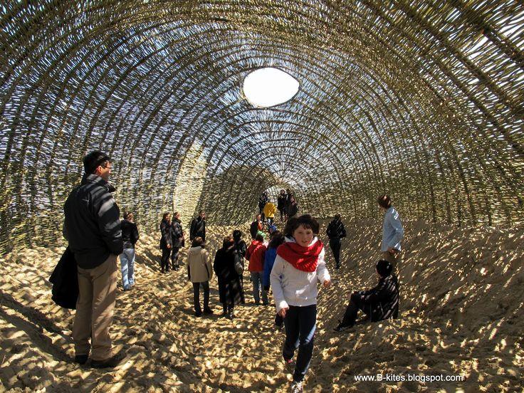 """#Environment - """"Sandworm"""" - Marco Casagrande - 2012, sauce y arena. Nacido en la…"""