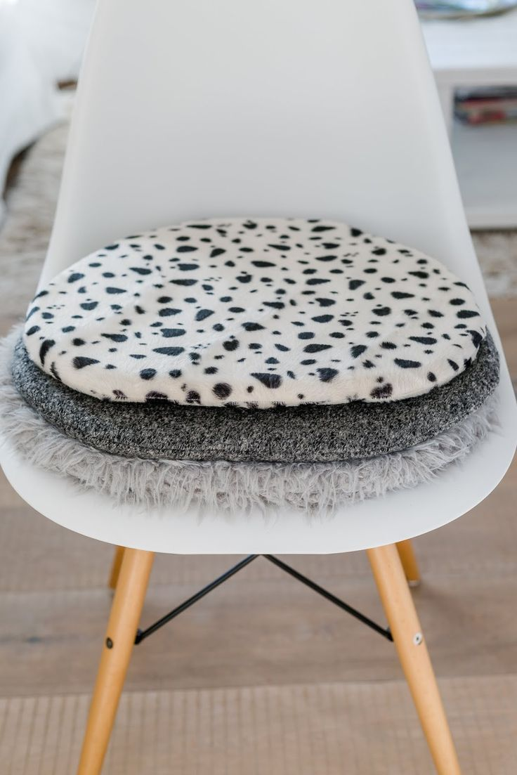 156 best eames sitzkissen seat cushions for eames panton chair sitzkissen images on. Black Bedroom Furniture Sets. Home Design Ideas