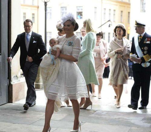 Good Morning Princess In German : Best anziehsachen images on pinterest duchess of