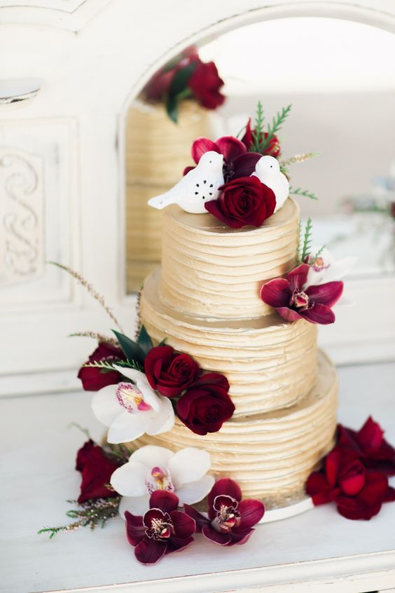 Deep Red & Gold Wedding Cake / http://www.deerpearlflowers.com/burgundy-and-gold-wedding-ideas/