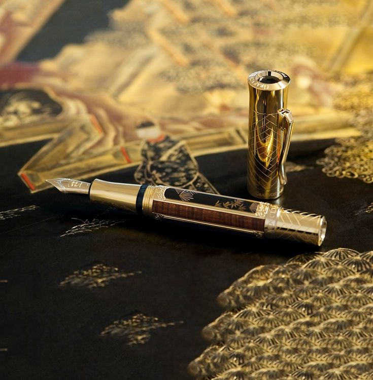 MASTER CRAFTSMANSHIP -  Lacquer art was invented in China and can be traced back to the Shang Dynasty (1600 – 1046 BCE). In this way, the panels of the Vieux-Laque Room are an expression of perfect craftsmanship spanning over thousands of years. #fountainpen #poty2016 #limitededition #history