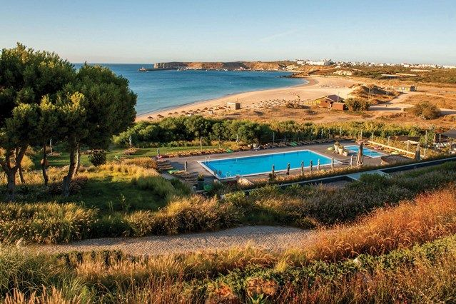 Portugal's best family-friendly hotels | Via Condé nast Traveller UK | 13/08/2015 From the Algarve to Lagos, Portugal is a fun destination for all the family – we seek out its most child-friendly yet stylish hotels #Portugal