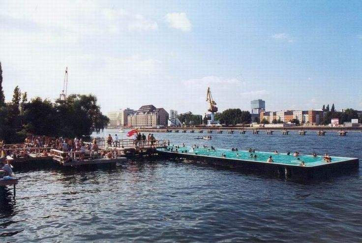 The badeschiff floating swimming pool berlin germany for Floating swimming pool paris