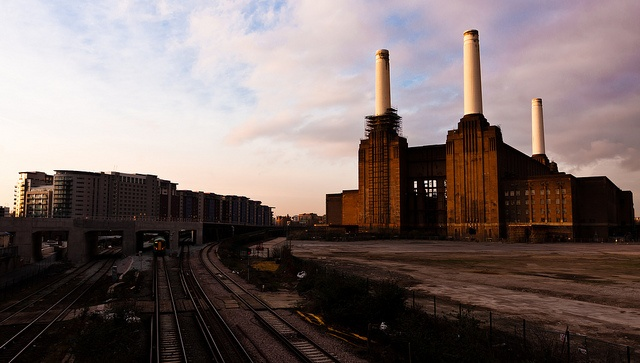 TimeLapse Battersea Power Station by Mattia Bicchi, via Flickr