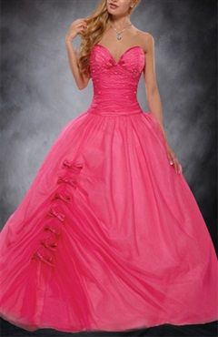 This pink ball gown sweet 16 dress is featured by the bows on the skirt.Sweetheart Organza Ball Gown Floor-length Sweet 16 Style Code: 00072 USD$199  Shop now:http://www.outerinner.com/sweetheart-organza-ball-gown-floor-length-sweet-16-pd-00072-15.html  #pink #dress #outerinner