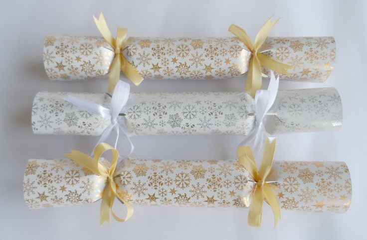 Cute Snowflake Christmas Cracker from Polly Want a Cracker