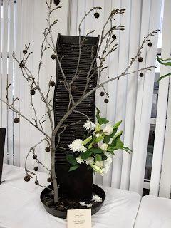 Vibratile floral design flower arrangement New Garden