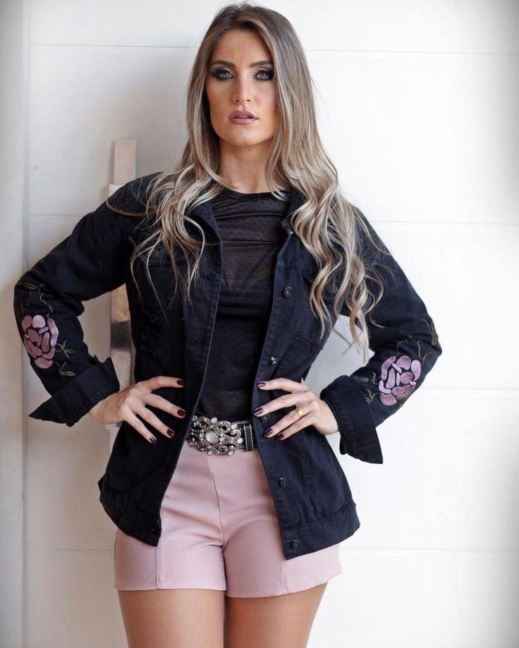 """91 curtidas, 2 comentários - Drops Feminina (@dropsfeminina) no Instagram: """"Muito linda essa maxi jaqueta com a manga bordada ✨✨ temos todo o looknq loja meninas 💋💋"""""""