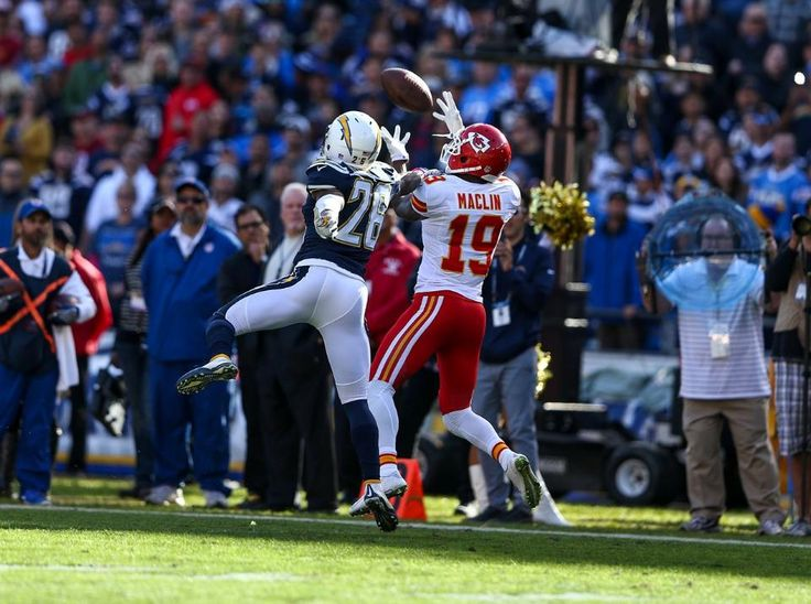 Photo Gallery: Chiefs vs. Chargers Game Action