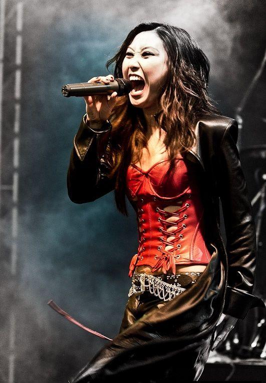 Heavy metal girl singers are mistaken