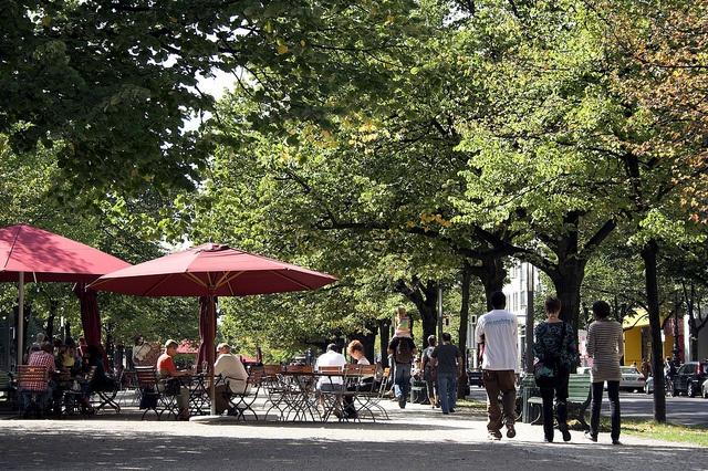ღღ Unter den Linden   Unter den Linden Boulevard by visitBerlin, via Flickr