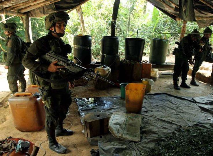 Inbeslagname van cocaïne van de terroristische organisatie FARC door de Colombiaanse autoriteiten.