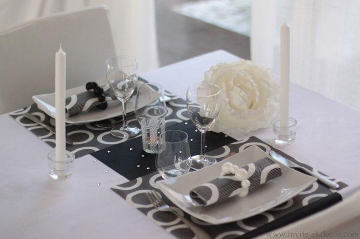 Une table simple et rapide à dresser, qui fera son effet sur votre invité