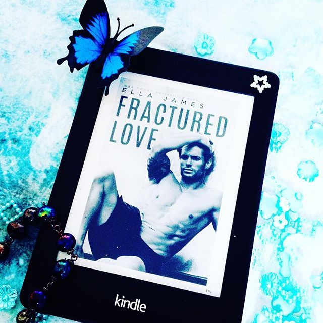 Best read this year!!! Landon has been moved through many foster homes, finally ending up with Evie's family. The pair engage in a forbidden relationship that brings you to tears with a love so sweet and fractured, the story stays with you long after the last page! ❤️ Fractured Love by Ella James #fracturedlove #ellajames #bestread #summerreading #books #bookish #bookblog #bookworm #bookstagram #bookaddict #bookblogger #bookphotography #bookphoto #love #booksofinstagram #booklov...