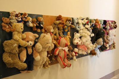 Herkkupurkki: taideteos sculpture, teddy bears, sculpture for children Honkalammen kehitysvammaisten lasten yksikössä. Nallet saa irti ja niillä voi leikkiä.