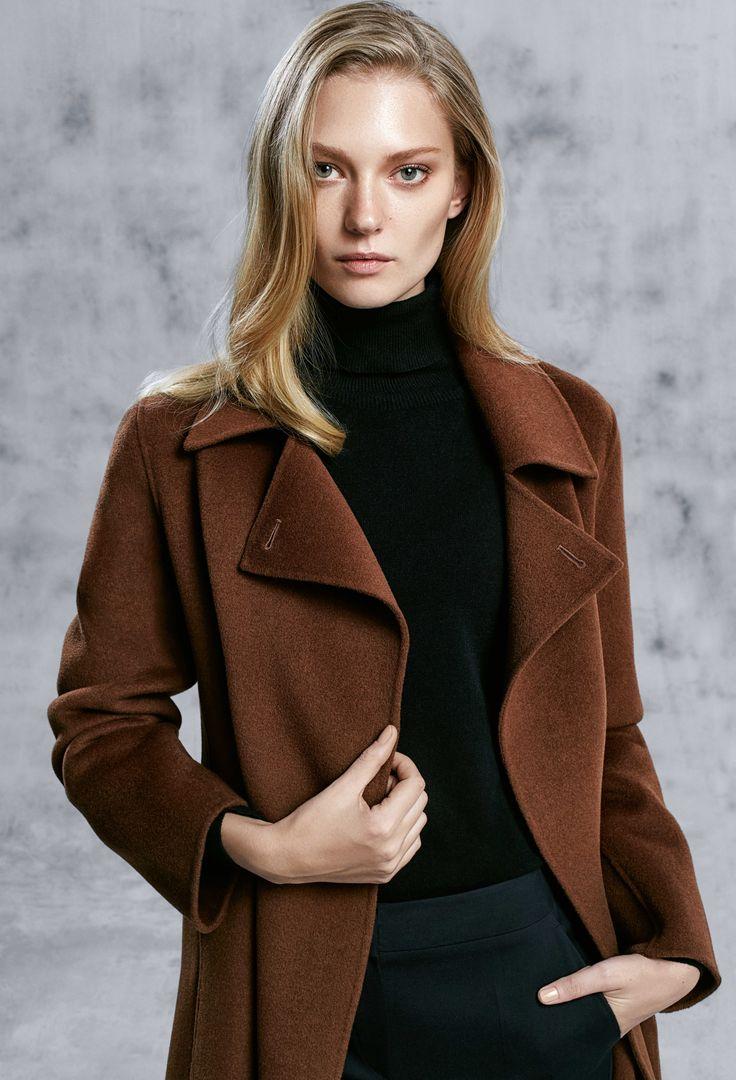 Sezonun dikkat çeken parçası el işi paltolar, kış indirimi ile mağazalarda ve online'da!