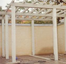 Bygg en egen pergola i trädgården