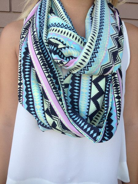 Best 25+ Infinity scarf outfits ideas on Pinterest ...