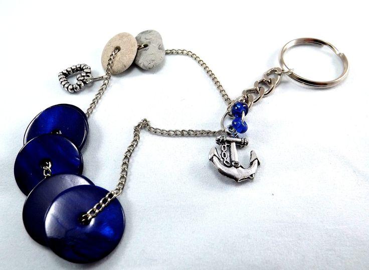 NEU!!! Sweet home. Schlüsselanhänger mit baltischem Strandstein und Glasperlen. Symbol- Schutz, Ruhe und Gemeinschaft. von Balticstone auf Etsy #strandstein #handgemacht #handmadejewelry #engravedstones #Etsyhandmade #Schlüsselanhänger #anker #anchorkeychain