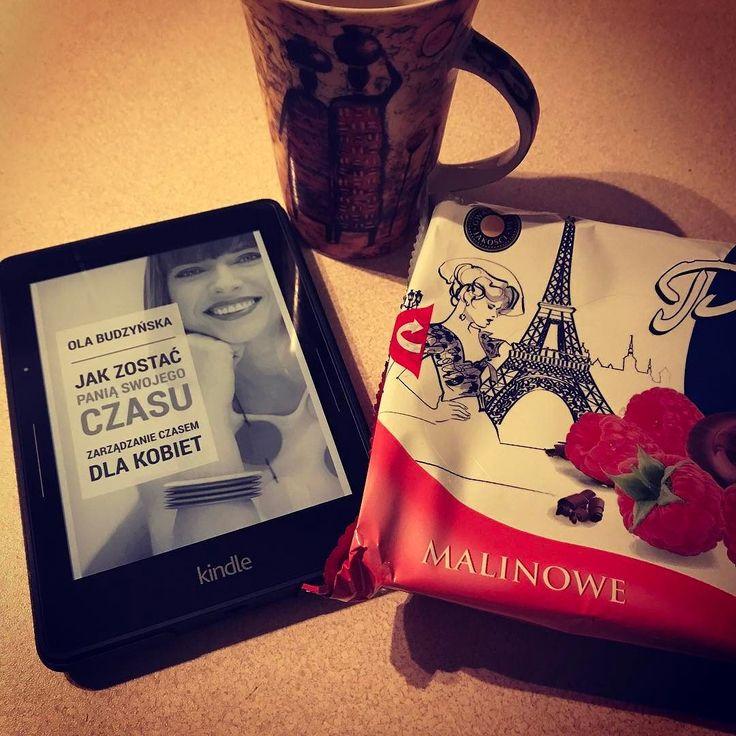Także ten... Córka śpi więc kupiłam sobie lekturę  na wieczór z herbatą  i na majówkę  Trzeba się wreszcie ogarnąć. Zwłaszcza że już mi brakuje blogowania w głowie kłębią się pomysły na teksty. Nie mówiąc już o całej masie innych pomysłów  #paniswojegoczasu #olabudzynska #książkoholik #książka #ebook #bookporn #bookaholic #instabook #kindle #kindlevoyage #amazon #czytambolubie #czytamksiążki #czytaniejestsexy #ChicaMalaPL