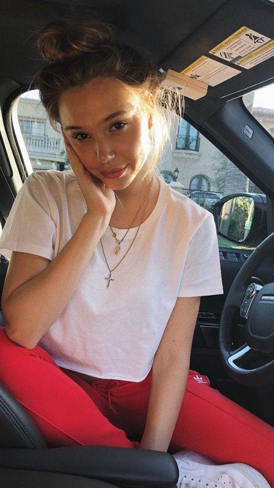 ec1576d79ce3a 🍉pinterest: @talymancuso   OUTFITS in 2019   Alexis ren, Alexis ren hair,  Tumblr selfies