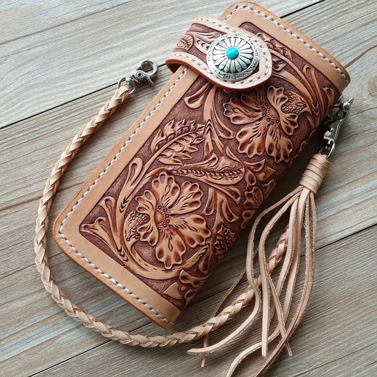 FREE SHIPPING Handmade cowhide wallet tanned leather wallet card holder classic carved wallet 3 064,19 - 3 723,81 руб.