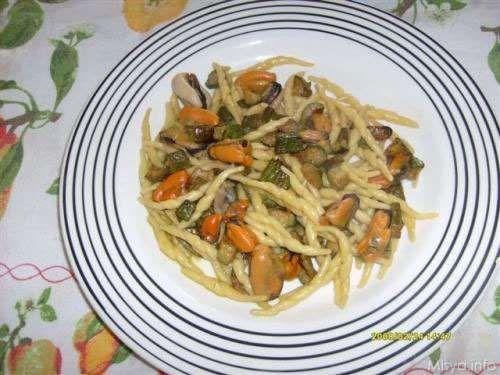 Ricette Pasta Trofie zucchine e cozze